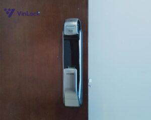 khóa cửa vân tay samsung 728